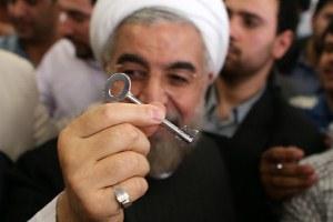مسئول مذاکره با آمریکا ، روحانی آری؛ احمدی نژاد خیر!؟