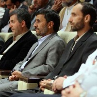 نامزدی بقایی تغییر مواضع انتخاباتی احمدی نژاد صلاحیت احمدی نژاد آزادی بقایی به قید وثیقه
