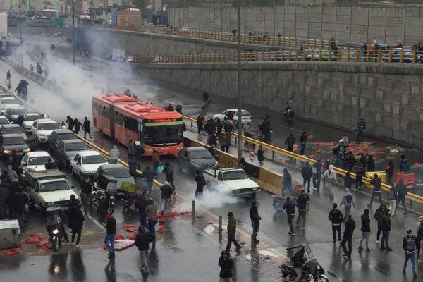 اعتراضات بنزینی، شبهات و عبرتها